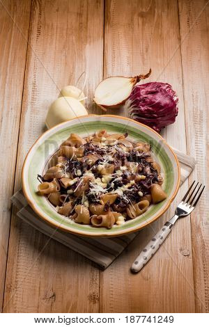 integral pasta with red chicory and scamorza cheese