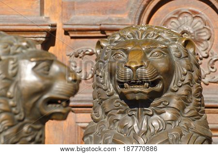 Two ferocious Lion guarding the entrance to the building.