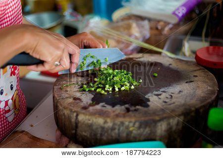 Chopping Thai Spring Onion