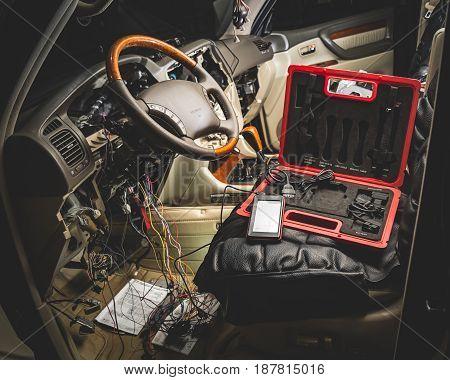 Repair The Wiring Of The Car