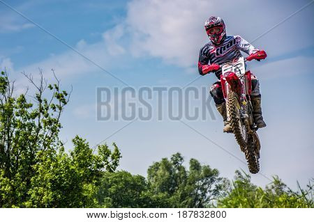 Off-road Motorbike Extreme Jumping