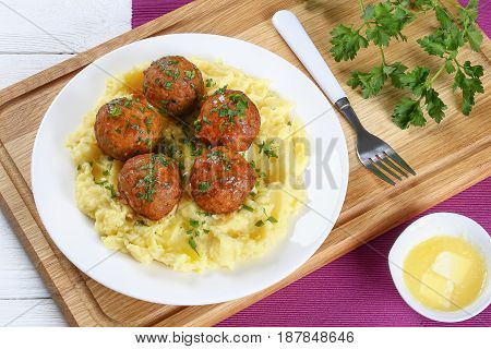 Meatballs Served With Hot Mashed Potato