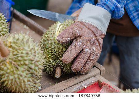 merchant sell durian peeling durian at market