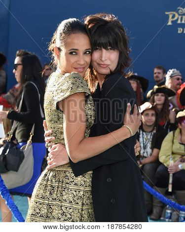 LOS ANGELES - MAY 18:  Dania Ramirez and Elizabeth Keener arrives for