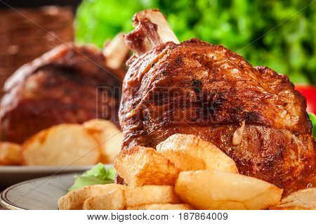 Roasted Turkey Knuckle With Fried Potato Slices