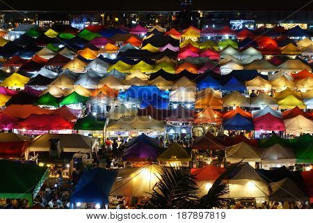 Talad Rod Fai Night Market, Bangkok