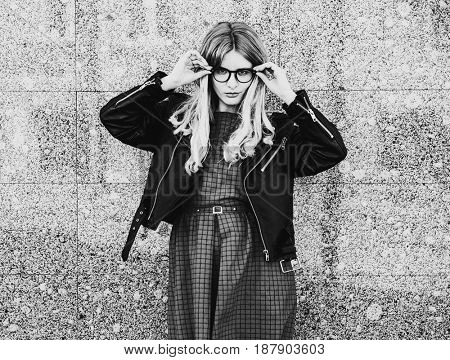 lifestyle, fashion and people concept: girl in the city, black a