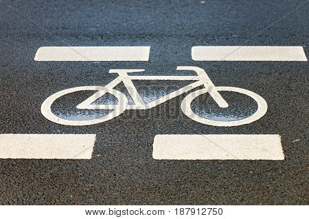 The symbol for a cycle path on the road