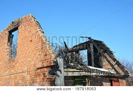 Old Home Burns Down. Brick House Roof Fire Damage.