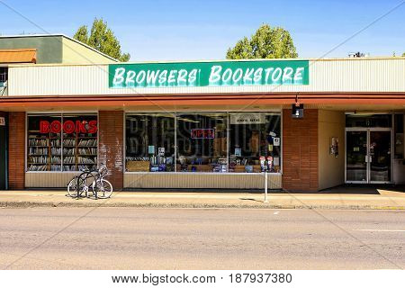 Corvalis, OR, USA - 07/14/2015: Browsers' Book Store in Corvallis Oregon. Founded in 2001 and sits on old Highway 99W in downtown Corvallis Oregon