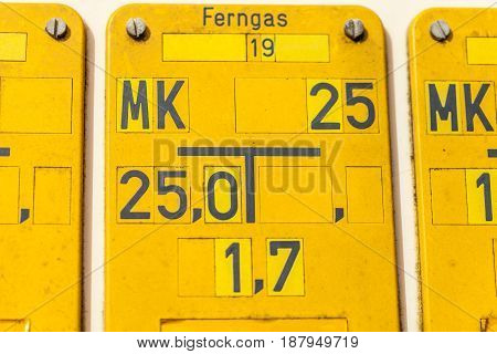 a yellow german grid gas (ferngas) sign