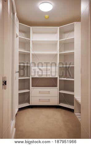 New Empty Closet