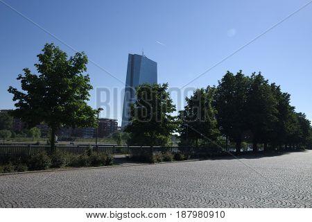 Live in beautiful frankfurt am main germany