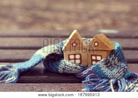 Small wooden houses in a warm blue scarf/ Comfortable property in any season