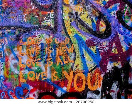 A parede de Lennon em Praga, República Checa
