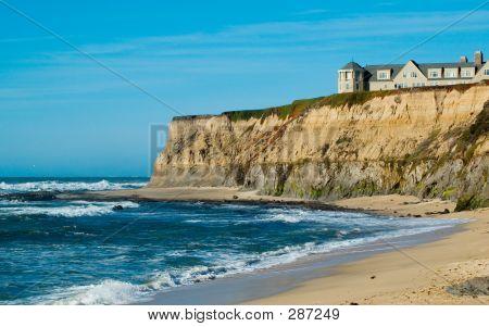 Hotel an der kalifornischen Küste