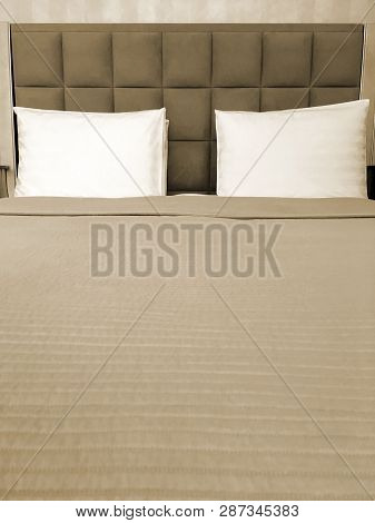 Comfortable Modern Style King Size Double Bed