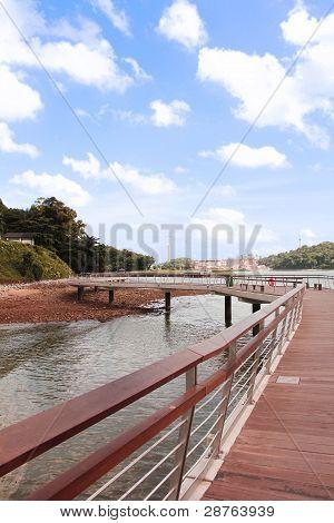 labrador bridge
