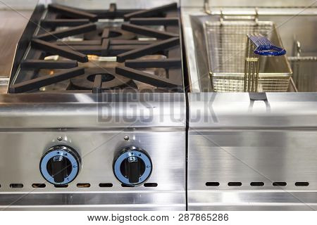 Modern Gas Stove Made From Steel Or Cast Iron Or Copper With Deep Fryer Pot With Stainless Basket