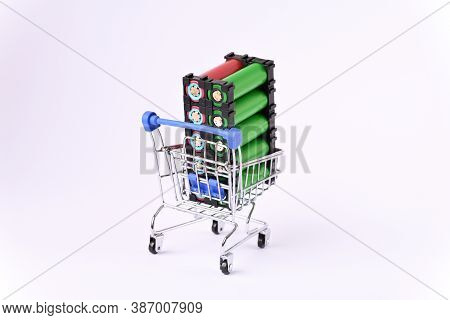 Li Ion 18650  Battery Holder In The Shopping Cart.