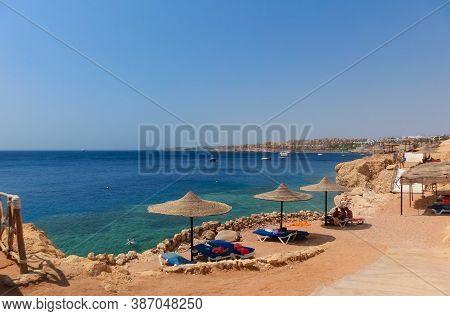 Sharm El Sheikh, Egypt - September 14, 2020: The People Resting At Sand Beach At Sharm El Sheikh, Eg