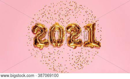 Happy New Year 2021 Celebration. Bright Gold Balloons Figures, New Year Balloons With Glitter Stars