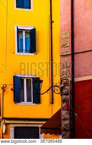 Italian Windows Are New And Old Horizons Of Beauty, Functionality And Performance
