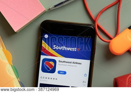 New York, Usa - 27 September 2020: Southwest Airlines Mobile App Logo On Phone Screen Close Up, Illu