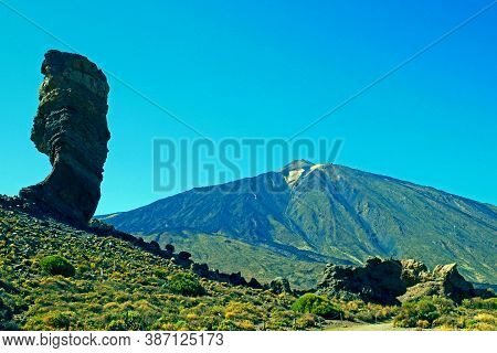 Mount Teide With Roques De Garcia Unique Rock Formation. Teide National Park, Tenerife, Canary Islan