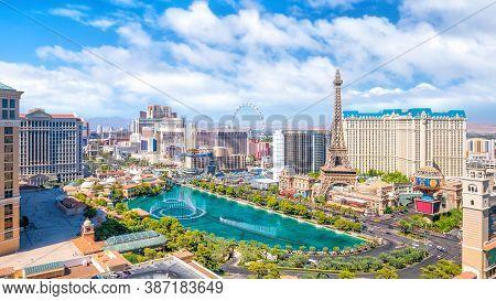 Las Vegas, Usa - July 14 : World Famous Vegas Strip In Las Vegas, Nevada On July 14, 2016 In Las Veg