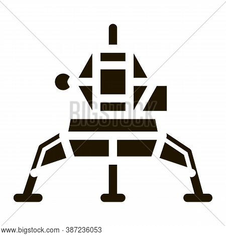 Manned Spacecraft Glyph Icon Vector. Manned Spacecraft Sign. Isolated Symbol Illustration