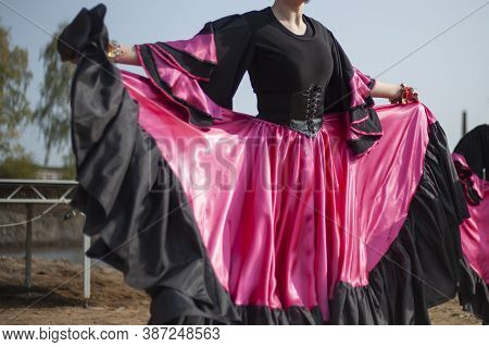 Dance In A Gypsy Dress. Speech On The Street. Black And Pink Dress. Girl Dancing. The Beauty And Gra