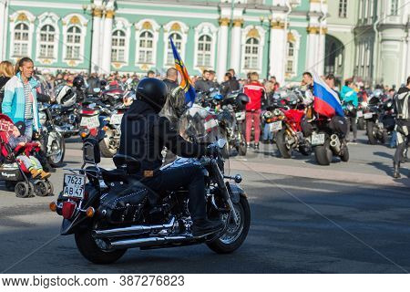 St Petersburg, Russia-september 26, 2020: Annual Moto Festival On Palace Square. Festival Is Dedicat
