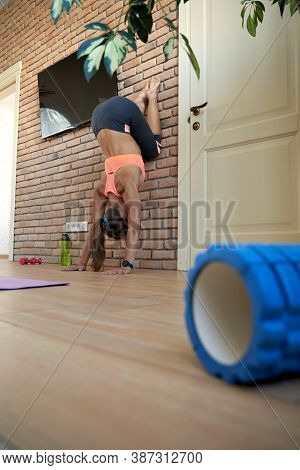 Fit Sporty Strong Yogi Young Sporty Woman Wear Sportswear Doing Handstand Pilates Fitness Sport Exer