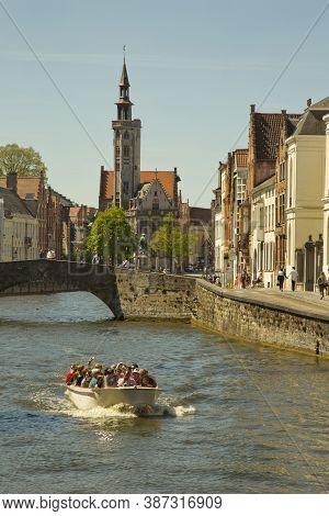 Bruges (brugge), Belgium. 5 May 2016. Canals Of Bruges (brugge).