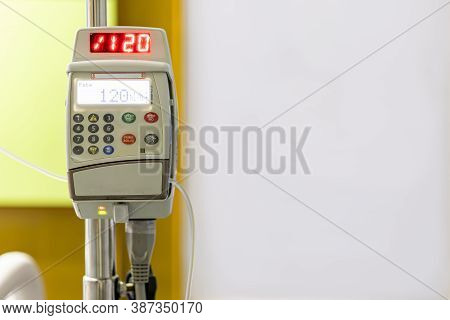 Automatic Infusion Pump For Control Infuses Fluids Medication Or Nutrients Sodium Chloride Saline So