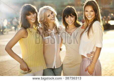 Freudig freundinnen