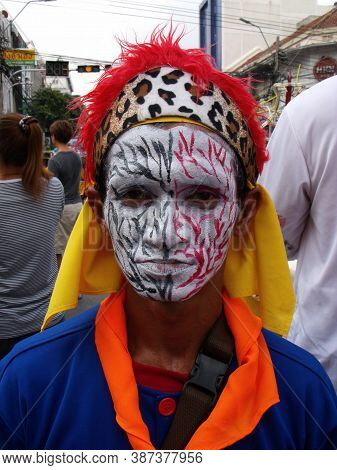 Bangkok, Thailand, November 14, 2015: A Man Made Up In A Festival Of The Clans Of The Chinese Commun
