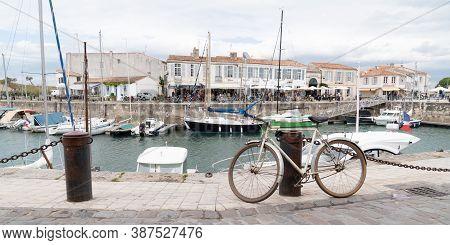 Saint Martin En Re - Ile De Re  Nouvelle Aquitaine / France - 05 04 2019 : Saint Martin Harbour With