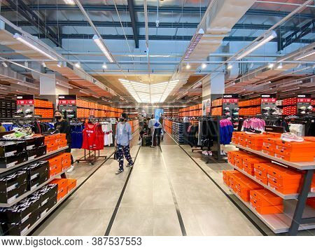 Bangkok Thailand - 27 Sep 2020: Many People Shopping Sport Ware In The Adidas Outlet Store In The Si
