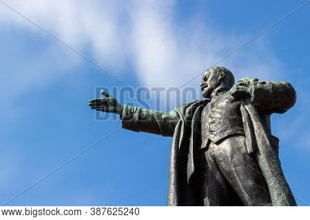 Saint Petersburg, Russia - 14 August, 2020:view Of The Monument To Vladimir Lenin Against Blue Sky.