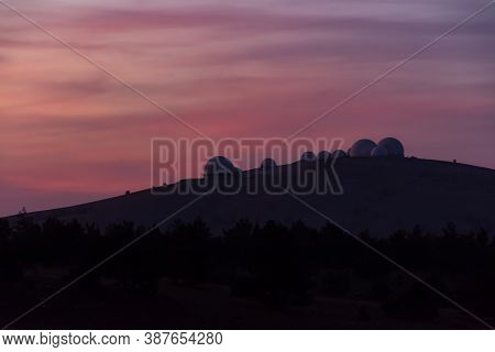 Sunset On Ai-petri With A View Of The Astronomical Observatory On September 28, 2019. Beautiful Crim