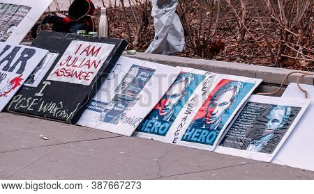 Toronto, Canada - 01 04 2020: Banners In Support Of A Renowned Activist And Founder Of Wikileaks Non