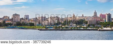 Havana, Cuba-07, 2016. Close Up View Of The Historical Old Havana City With Famous Buildings, Coloni