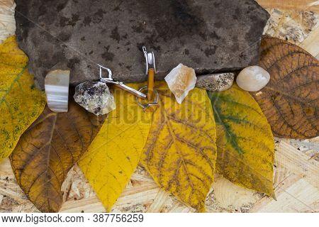 Jewelry And Natural Semi-precious Stones - Citrine, Yellow Quartz, Landscape Jasper, Agate, Septaria