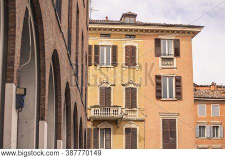 Historic Building In Modena, Italy 8