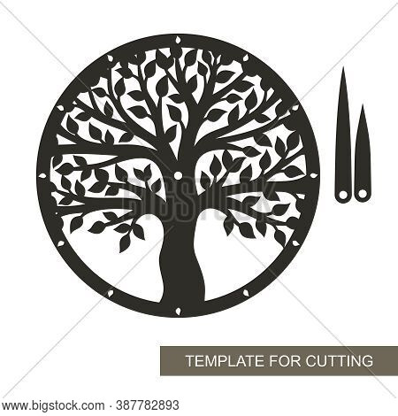 Round Dial With Decorative Tree (trunk, Branches, Leaves) Inside. Hour And Minute Hands. An Unusual