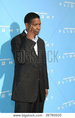 LOS ANGELES - OCT 23: Denzel Washington at the Premiere of Paramount Pictures' 'Flight' at ArcLight Cinemas on October 23, 2012 in Los Angeles, California