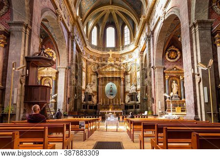 Blois, France - October 10, 2019: Beautiful Interior Of Eglise Saint Vincent De Paul In The Ancient