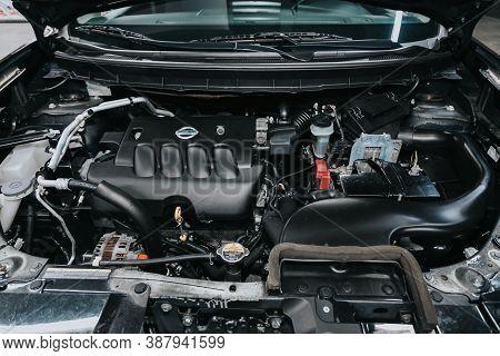 Novosibirsk, Russia -september 29, 2020: Nissan X-trail, Close Up Of A Clean Motor Block. Internal C